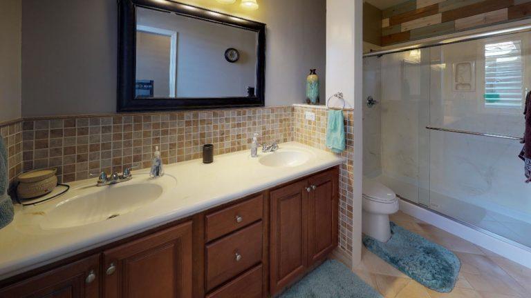 Coral-Mist-Place-Bathroom